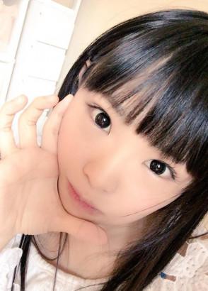 하츠메 리나 (Rina Hatsume . 初芽里奈) 2