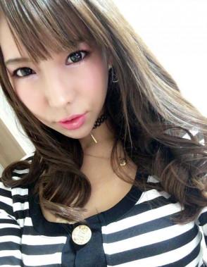 하야카와 세리나 (Serina Hayakawa . 早川瀬里奈) 1